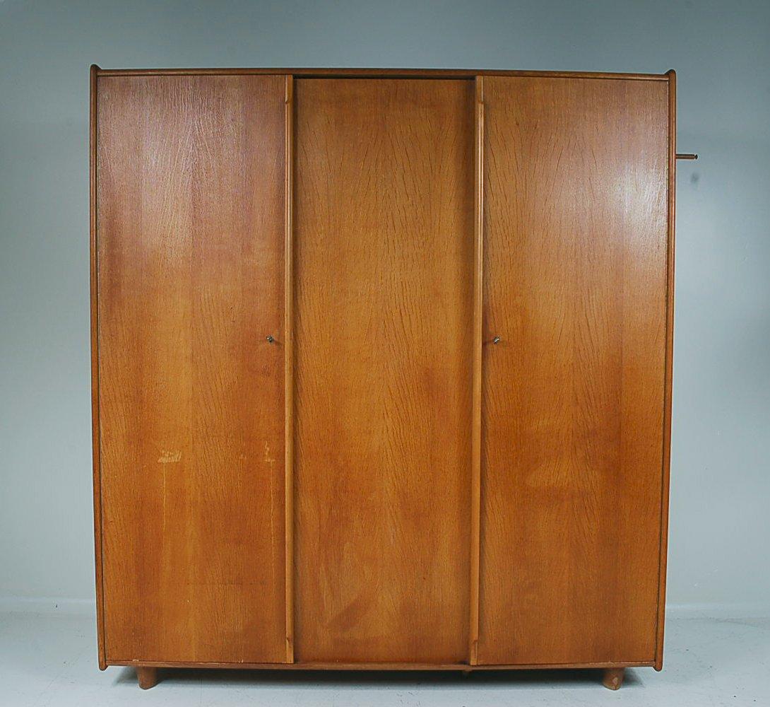 gro er kleiderschrank von pastoe 1950er bei pamono kaufen. Black Bedroom Furniture Sets. Home Design Ideas