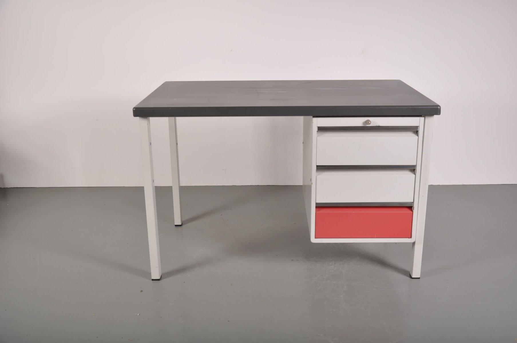 industrie schreibtisch von friso kramer f r ahrend de cirkel 1960er bei pamono kaufen. Black Bedroom Furniture Sets. Home Design Ideas