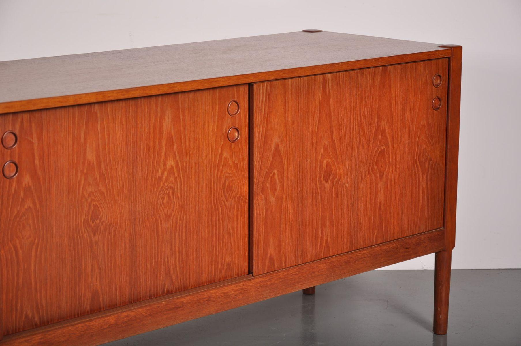 d nisches teak sideboard mit schiebet ren 1960er bei. Black Bedroom Furniture Sets. Home Design Ideas