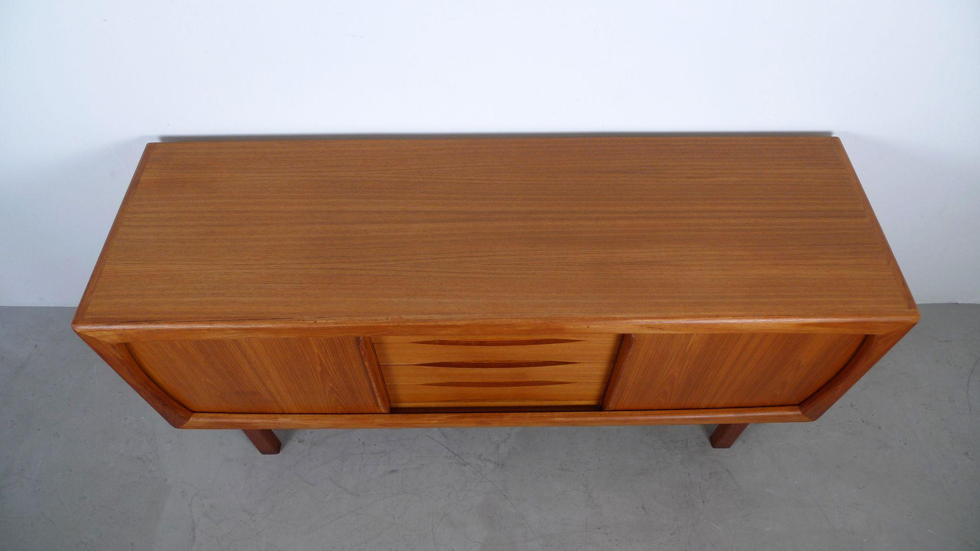 teak sideboard mit schiebet ren und schubladen von dyrlund 1960er bei pamono kaufen. Black Bedroom Furniture Sets. Home Design Ideas