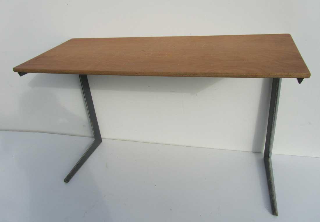 industrie schreibtisch von friso kramer f r ahrend de cirkel 1958 bei pamono kaufen. Black Bedroom Furniture Sets. Home Design Ideas