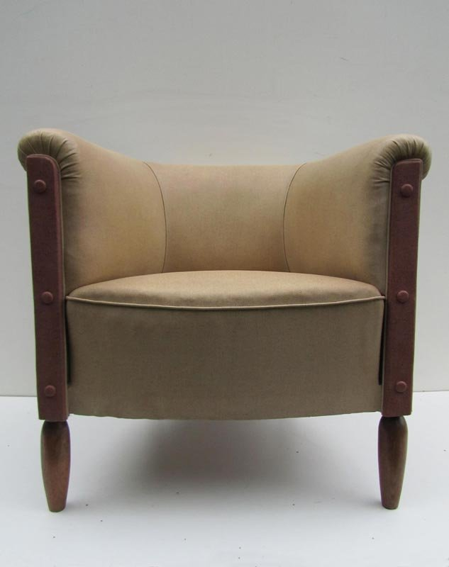 Vintage Vinyl Club Lounge Chair For Sale At Pamono