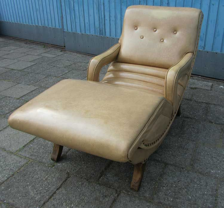 Vintage Easy Chair from Contour Chair Lounge Co Inc for sale at Pamono