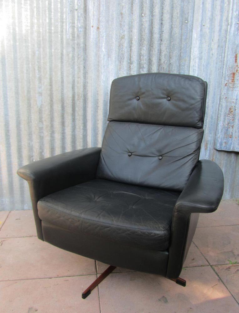 black leather lounge swivel chair from goldsiegel 1960s for sale at pamono. Black Bedroom Furniture Sets. Home Design Ideas