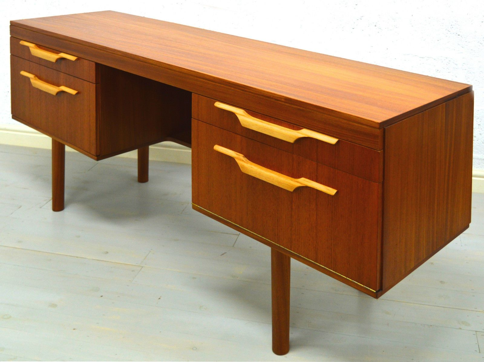 mid century teak schreibtisch bei pamono kaufen. Black Bedroom Furniture Sets. Home Design Ideas