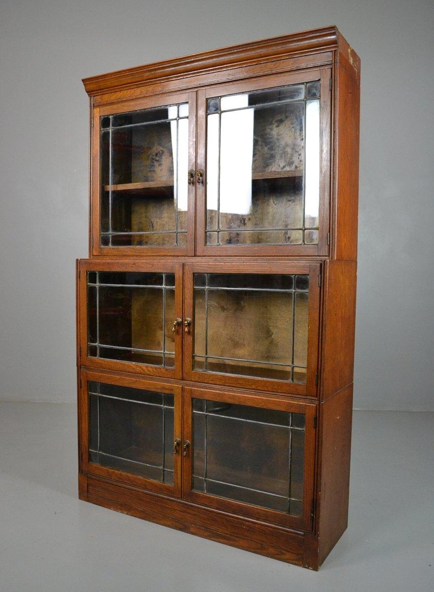 vintage eichen b cherregal mit glast ren bei pamono kaufen. Black Bedroom Furniture Sets. Home Design Ideas