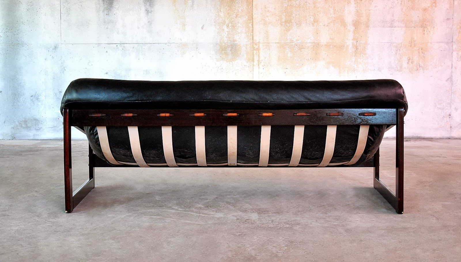 Chesterfield Palisanderholz Sofa mit braunem Lederbezug ...