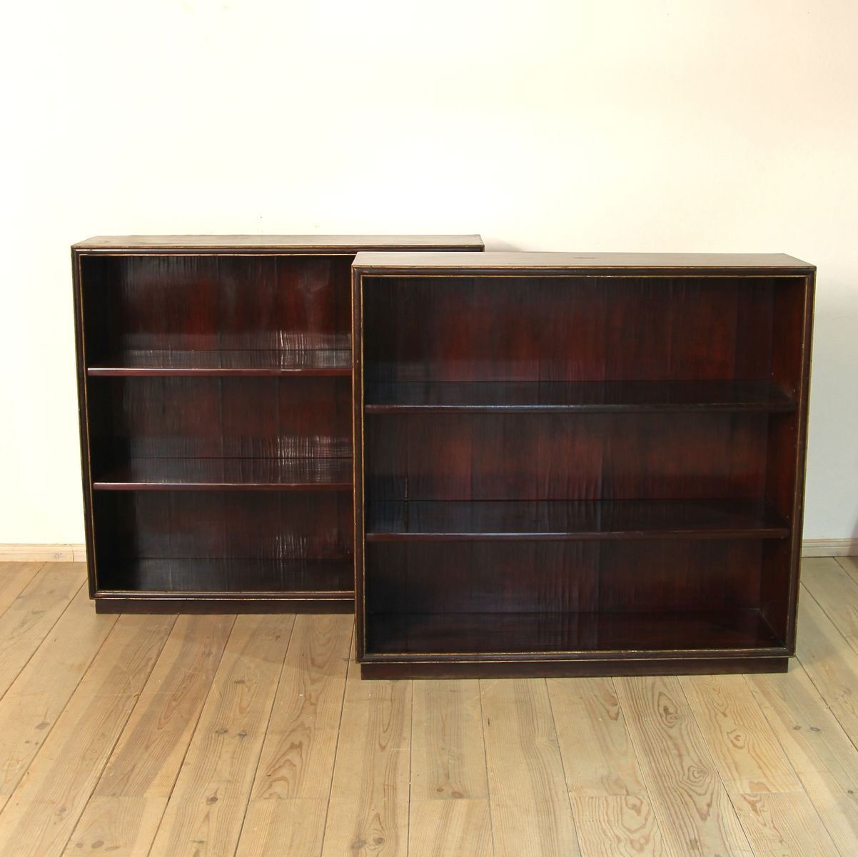 Wonderful image of Pair of Italian Shelves 1920s Set of 2 for sale at Pamono with #A39228 color and 1201x1200 pixels