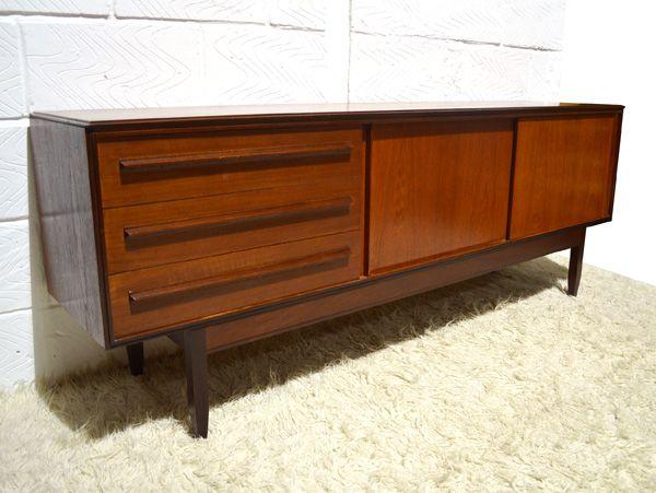 sideboard mit schiebet ren von white newton 1960er bei. Black Bedroom Furniture Sets. Home Design Ideas