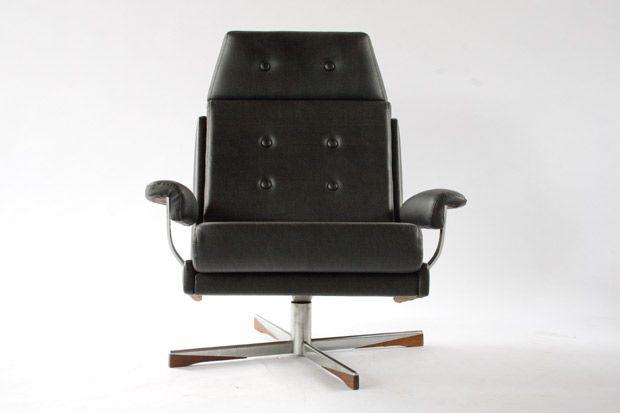 schwarzer sessel 1960er bei pamono kaufen. Black Bedroom Furniture Sets. Home Design Ideas