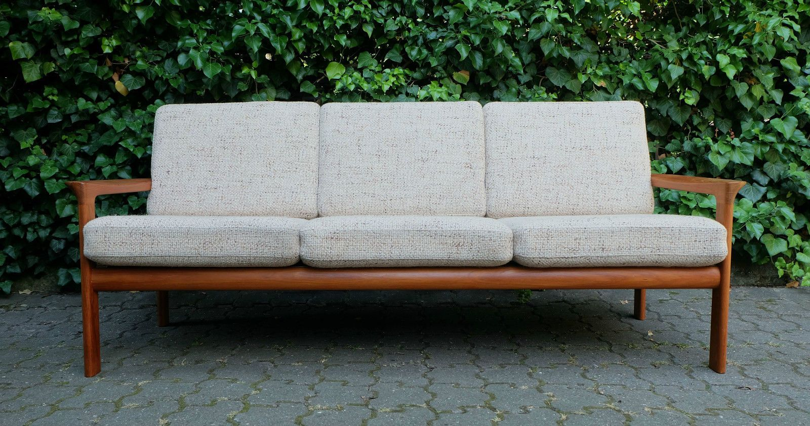 danish mid century teak sofa from komfort m bel for sale. Black Bedroom Furniture Sets. Home Design Ideas