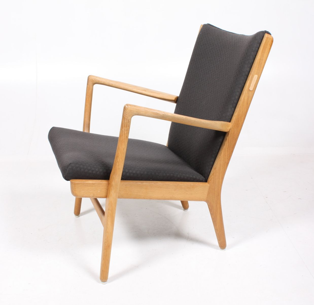 ap16 easy chair by hans j wegner for ap stolen for sale at pamono. Black Bedroom Furniture Sets. Home Design Ideas