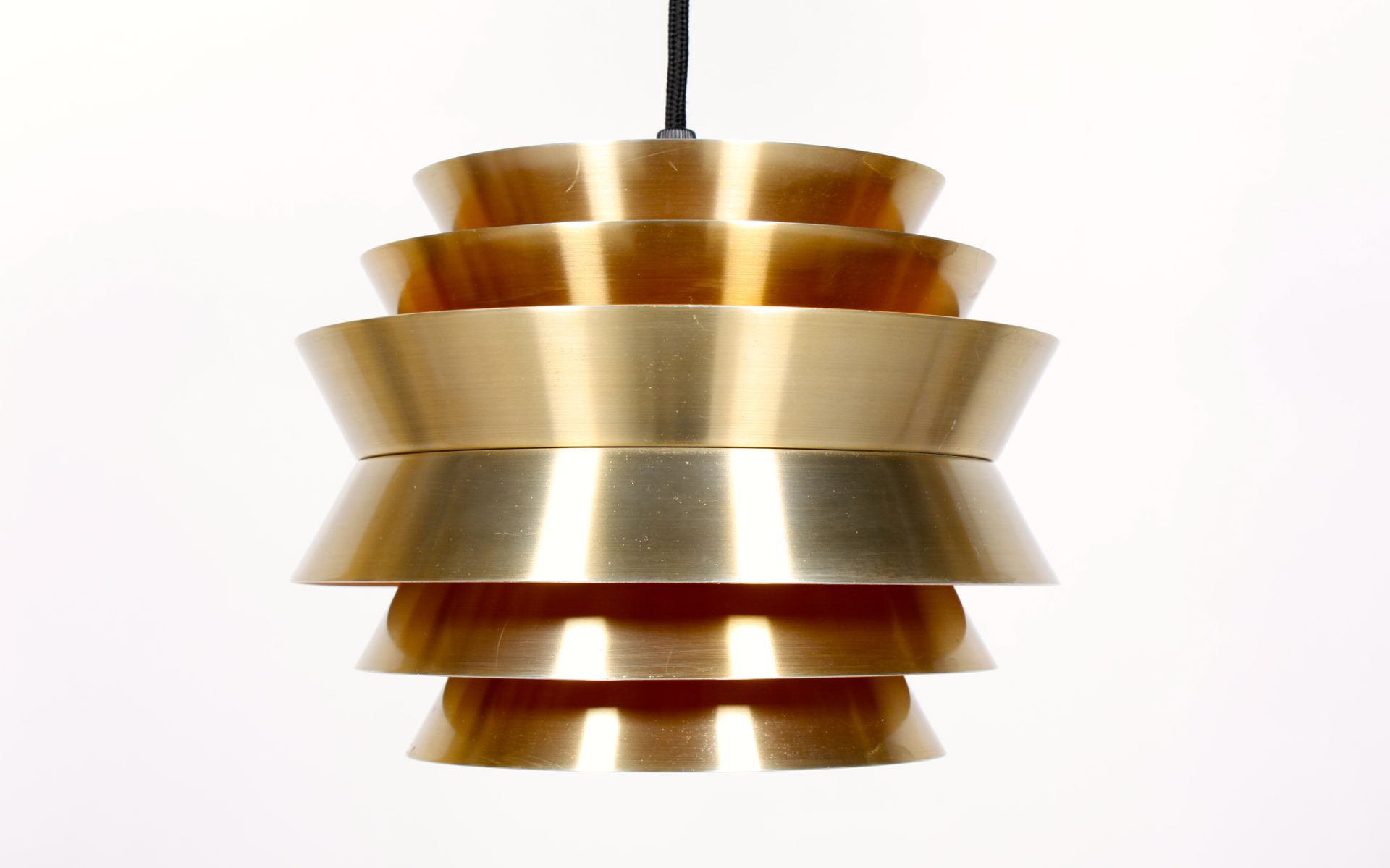 goldene retrolampe aus d nemark bei pamono kaufen. Black Bedroom Furniture Sets. Home Design Ideas