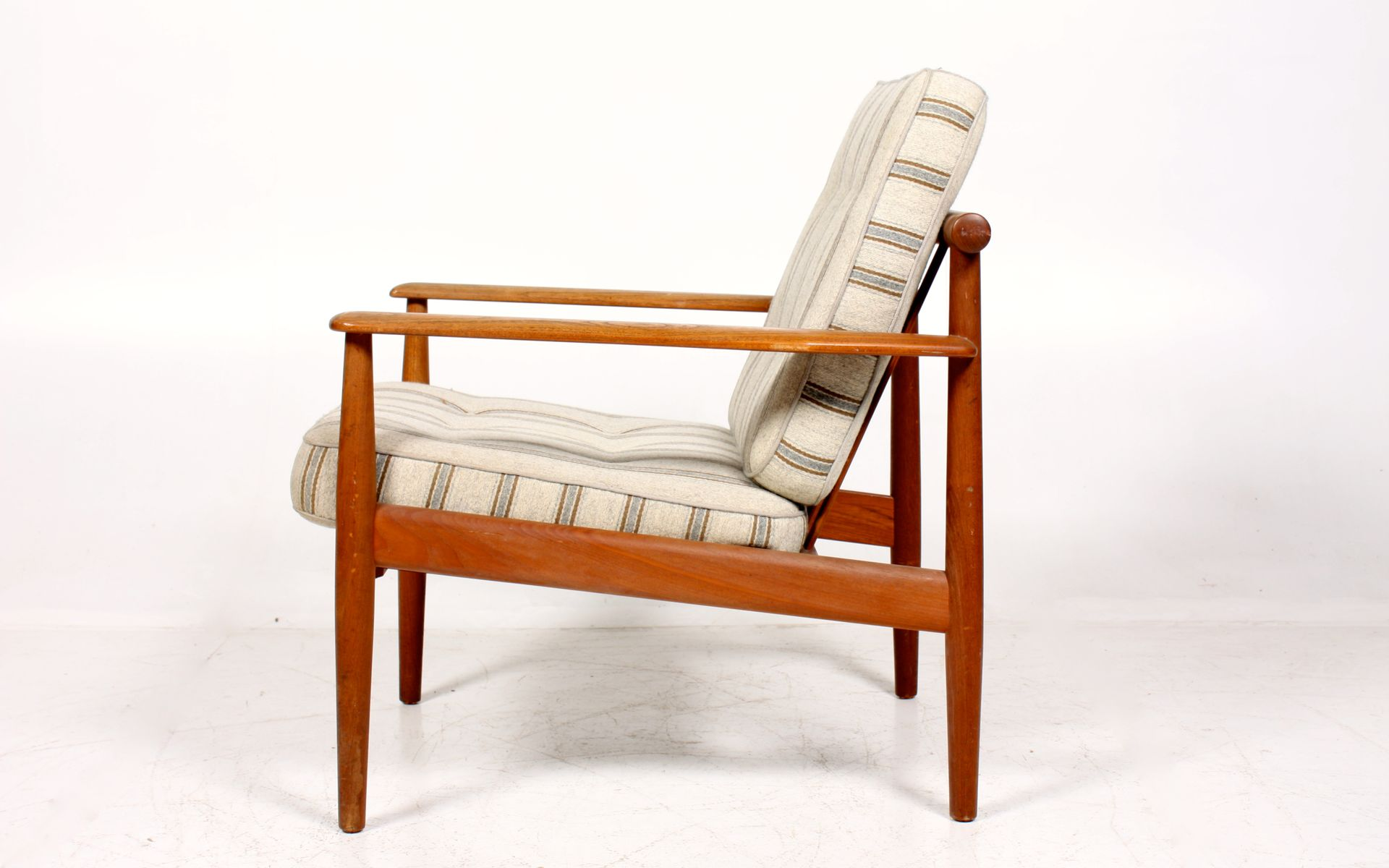 Vintage Teak Lounge Chair by France & Søn for sale at Pamono