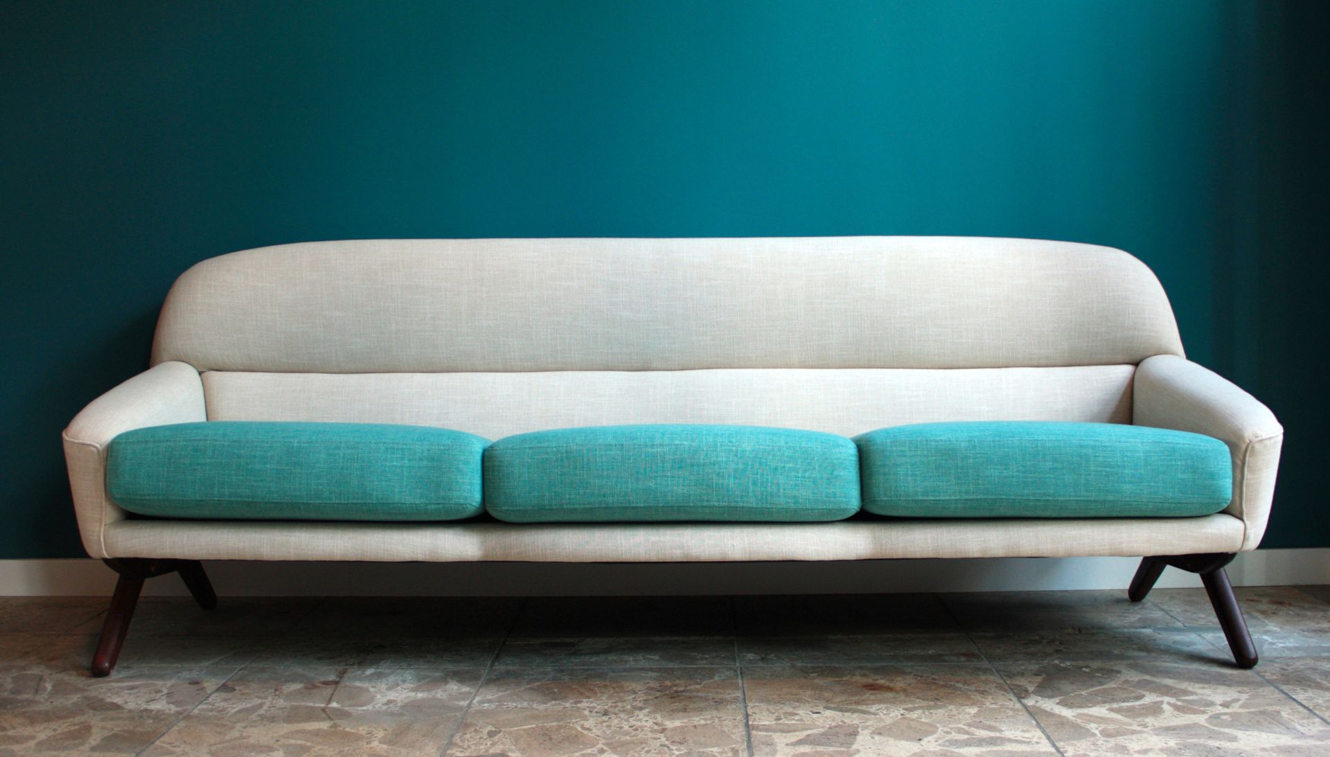 Scandinavian Linen Sofa by Illum Wikkelso for sale at Pamono
