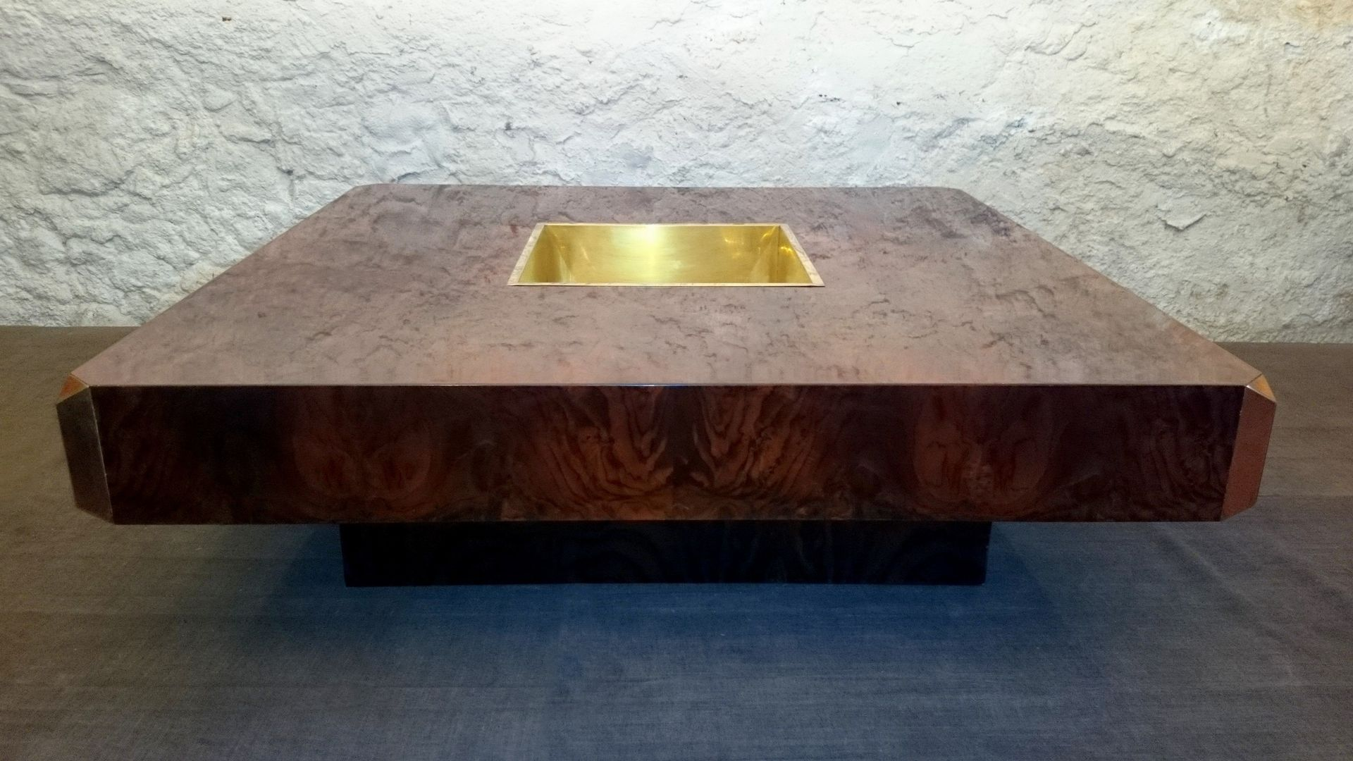 Maple and brass alveo coffee table by willy rizzo for for Table willy rizzo