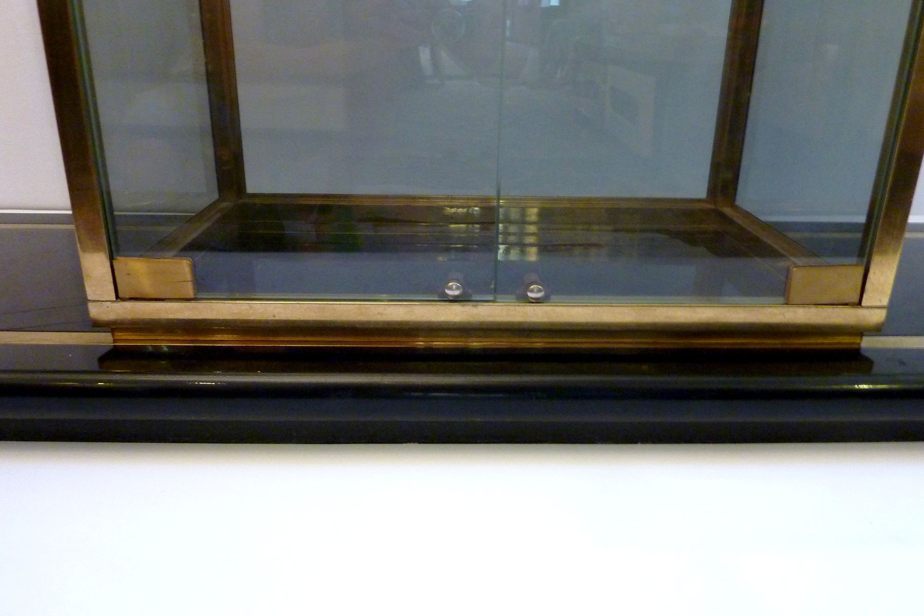 vintage italian shelving unit with vitrine for sale at pamono. Black Bedroom Furniture Sets. Home Design Ideas