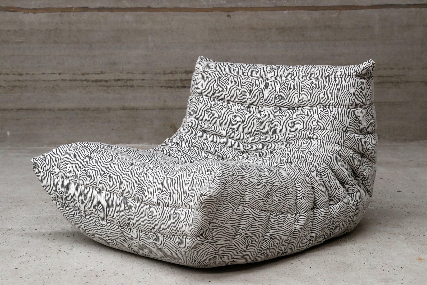 vintage zebra pattern togo pouf by michel ducaroy for ligne roset for sale at pamono. Black Bedroom Furniture Sets. Home Design Ideas