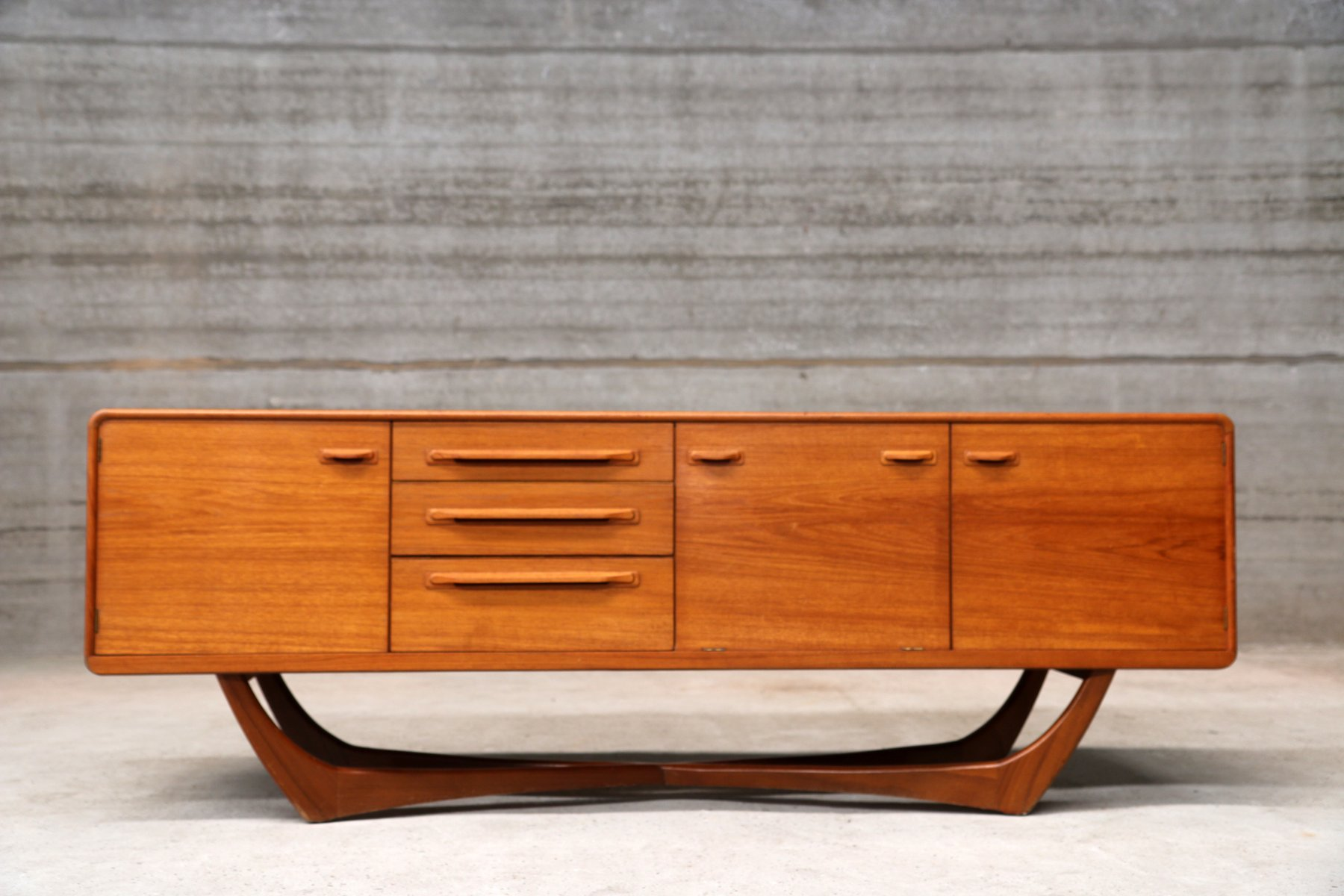 vintage italian teak sideboard 1960s for sale at pamono. Black Bedroom Furniture Sets. Home Design Ideas