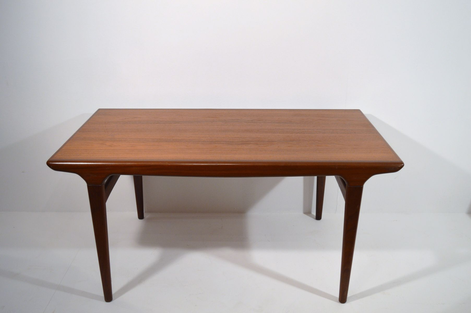Mid Century Danish Teak Dining Table 1960s for sale at Pamono : mid century danish teak dining table 1960s 3 from www.pamono.co.uk size 1805 x 1200 jpeg 74kB