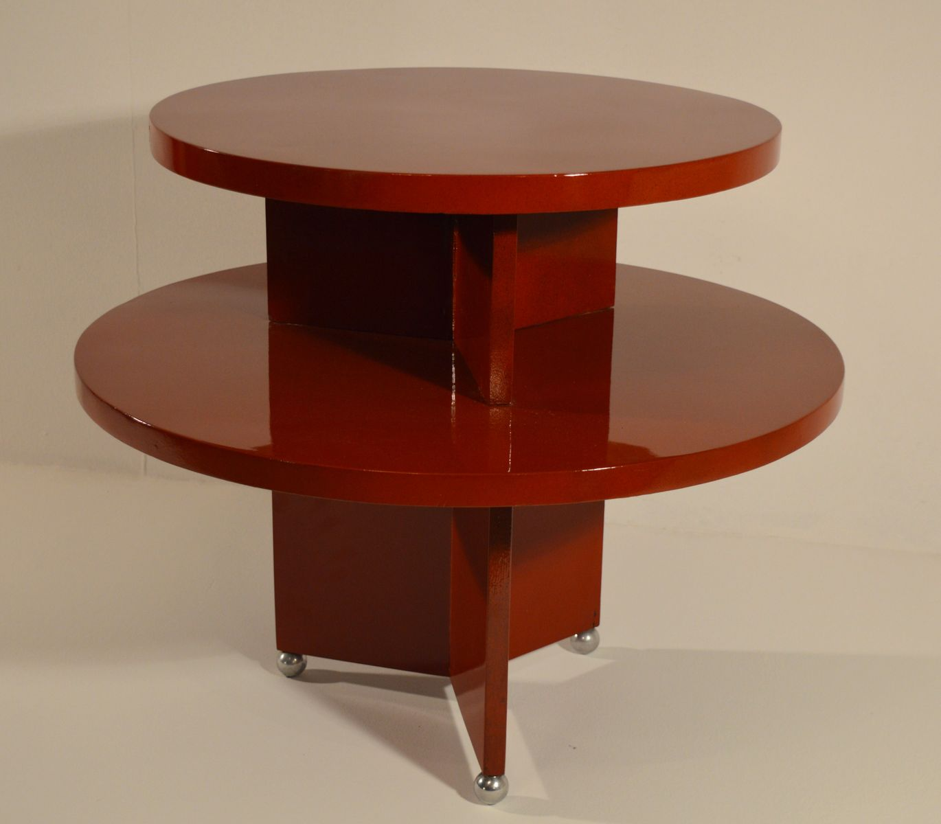 table basse art d co en rouge laqu 1930s en vente sur pamono. Black Bedroom Furniture Sets. Home Design Ideas