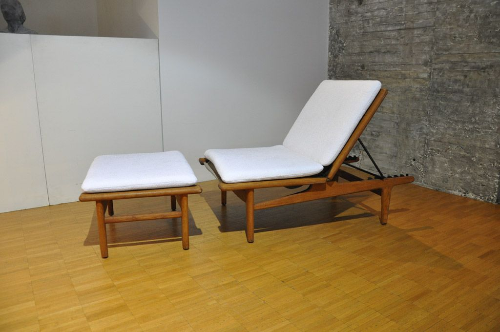 Chaise lounge and footstool by hans wegner for getama for Chaise longue for sale uk
