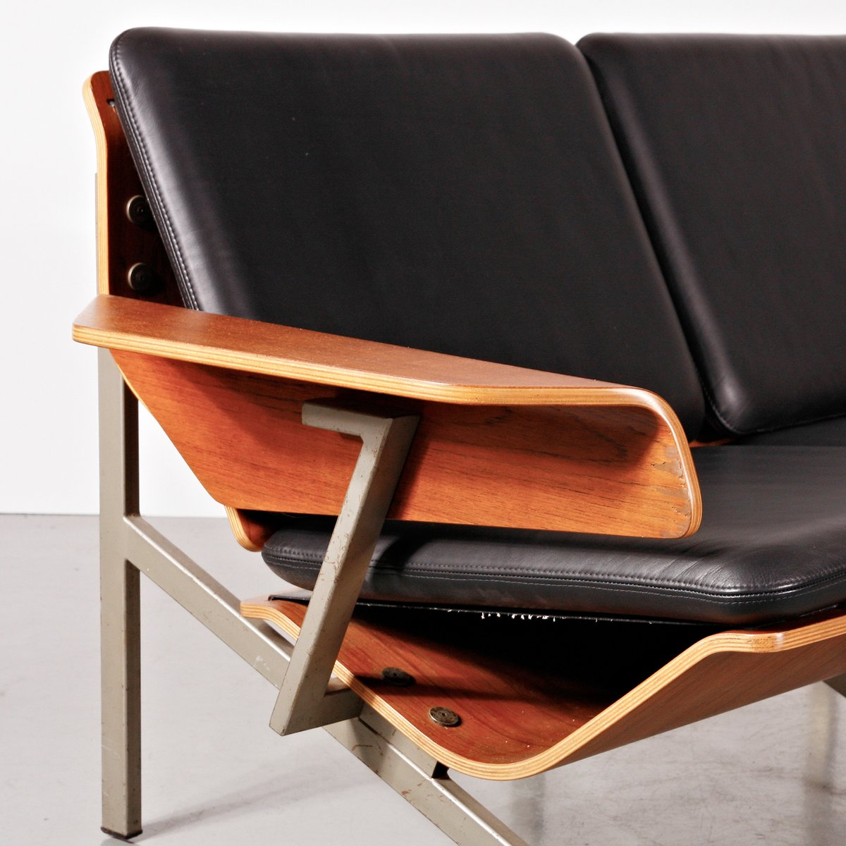 marina 2 seater leather recliner sofa by synargy harvey norm