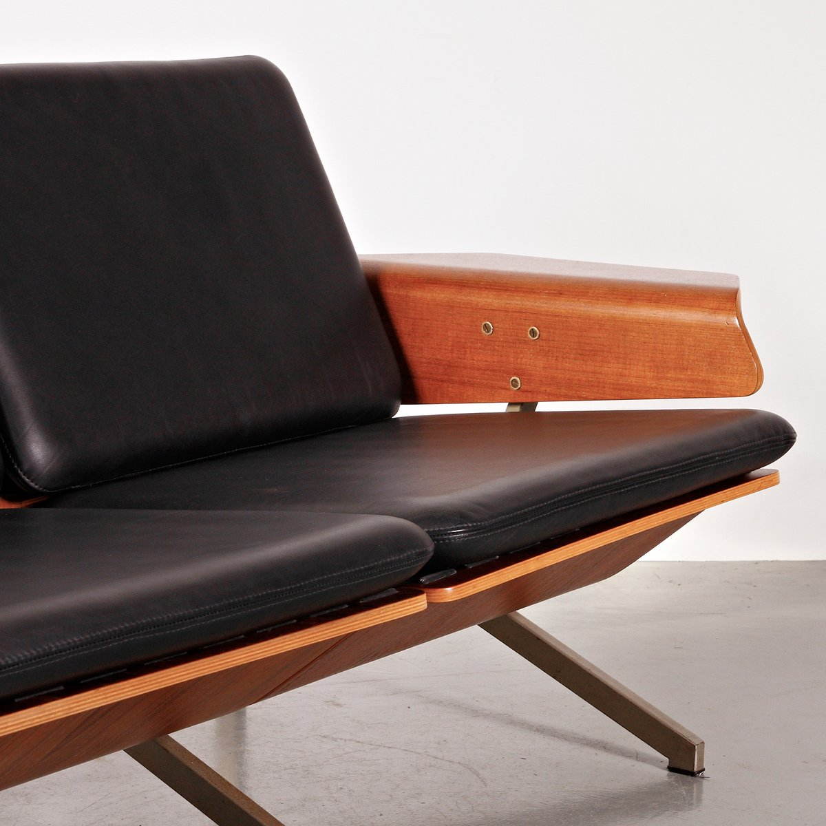 2 seater leather sofa by cornelis zitman 1964 for sale at pamono. Black Bedroom Furniture Sets. Home Design Ideas