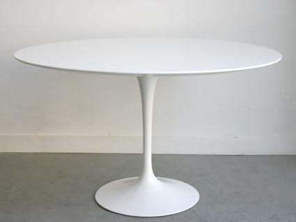 tulip tisch von eero saarinen f r knoll 1970er bei pamono kaufen. Black Bedroom Furniture Sets. Home Design Ideas