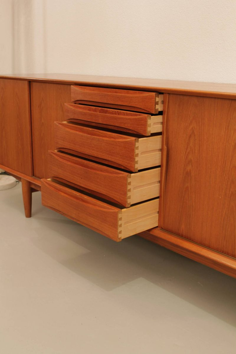 teak sideboard by arne vodder for dyrlund 1960s for sale at pamono. Black Bedroom Furniture Sets. Home Design Ideas