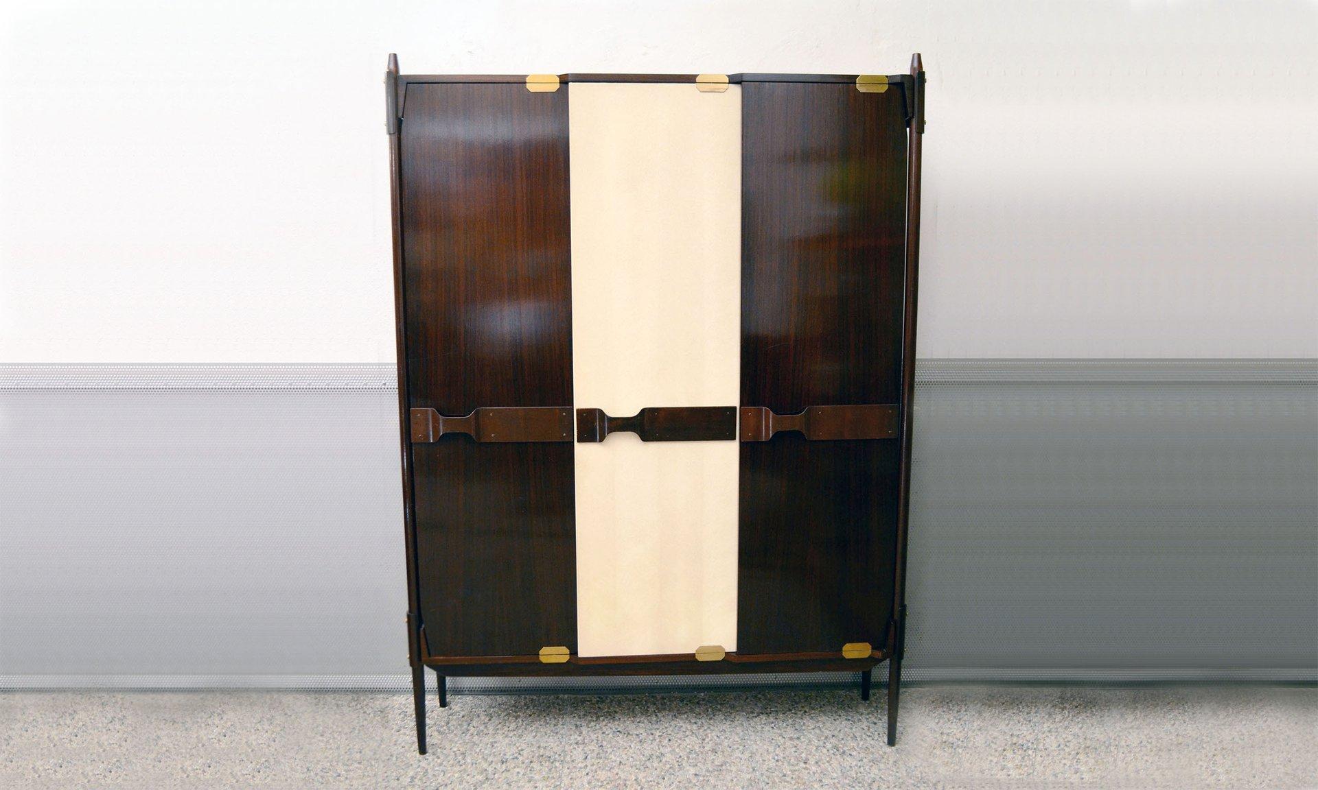 italian wooden wardrobe 1950s for sale at pamono. Black Bedroom Furniture Sets. Home Design Ideas