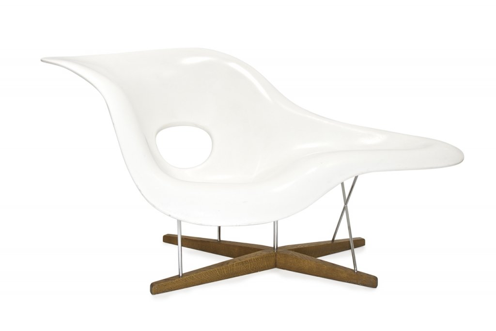 La chaise chair by charles and ray eames for sale at pamono for Charles eames chaise a bascule