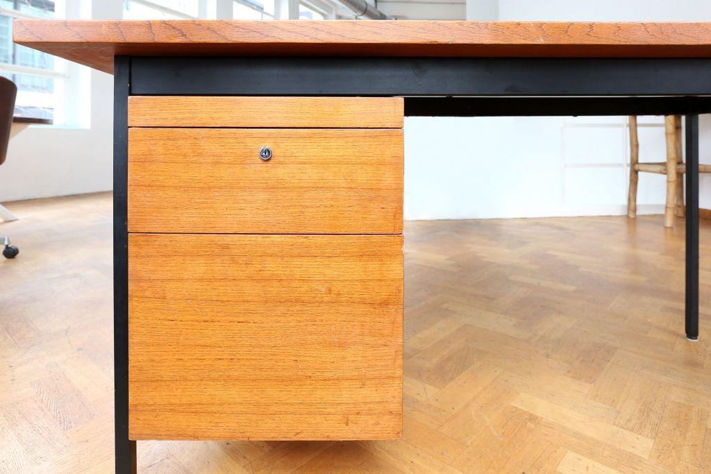 bureau en forme de l par florence knoll pour knoll 1950s. Black Bedroom Furniture Sets. Home Design Ideas