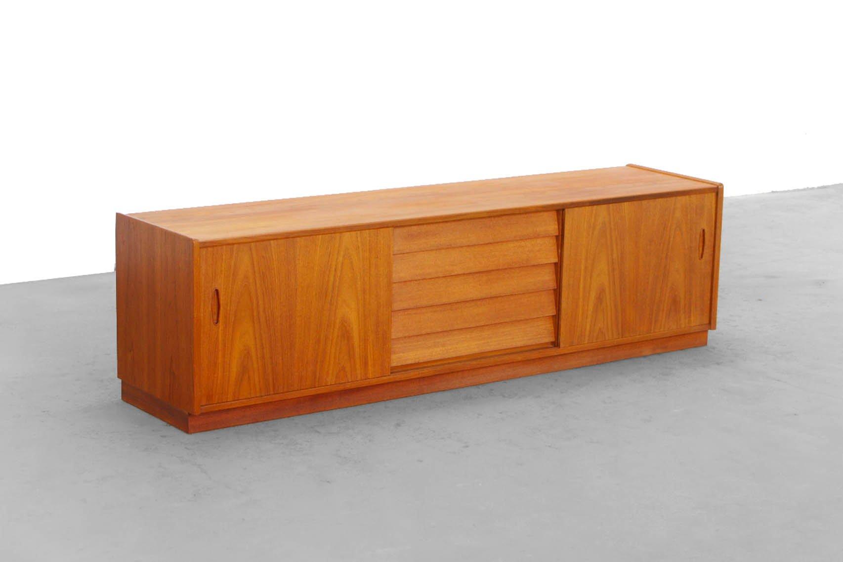 tv lowboard teak inspirierendes design f r. Black Bedroom Furniture Sets. Home Design Ideas