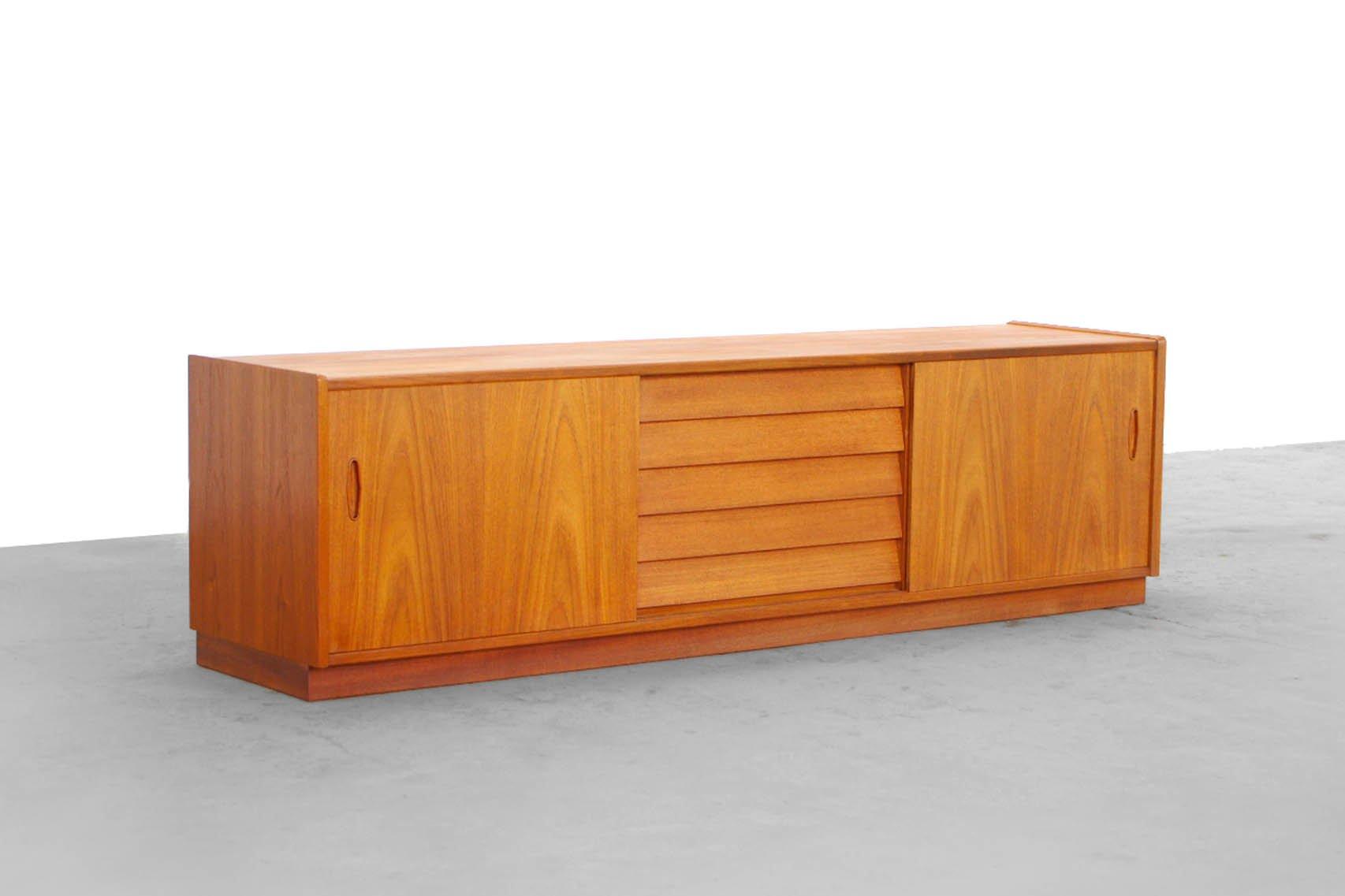 teak lowboard by hugo troeds n johnsson for bjaernum. Black Bedroom Furniture Sets. Home Design Ideas