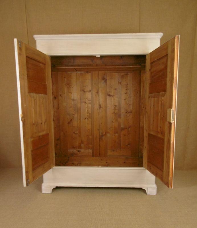 antiker grauer kleiderschrank bei pamono kaufen. Black Bedroom Furniture Sets. Home Design Ideas