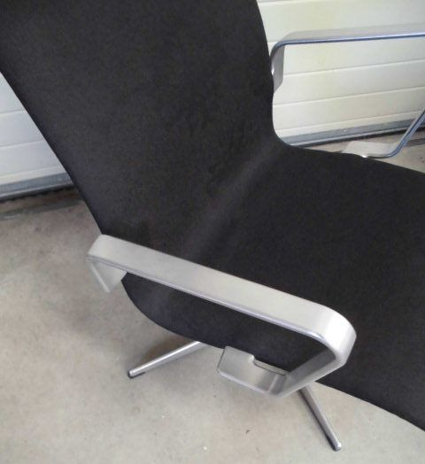 Oxford Lounge Chair by Arne Jacobsen for Fritz Hansen for sale at