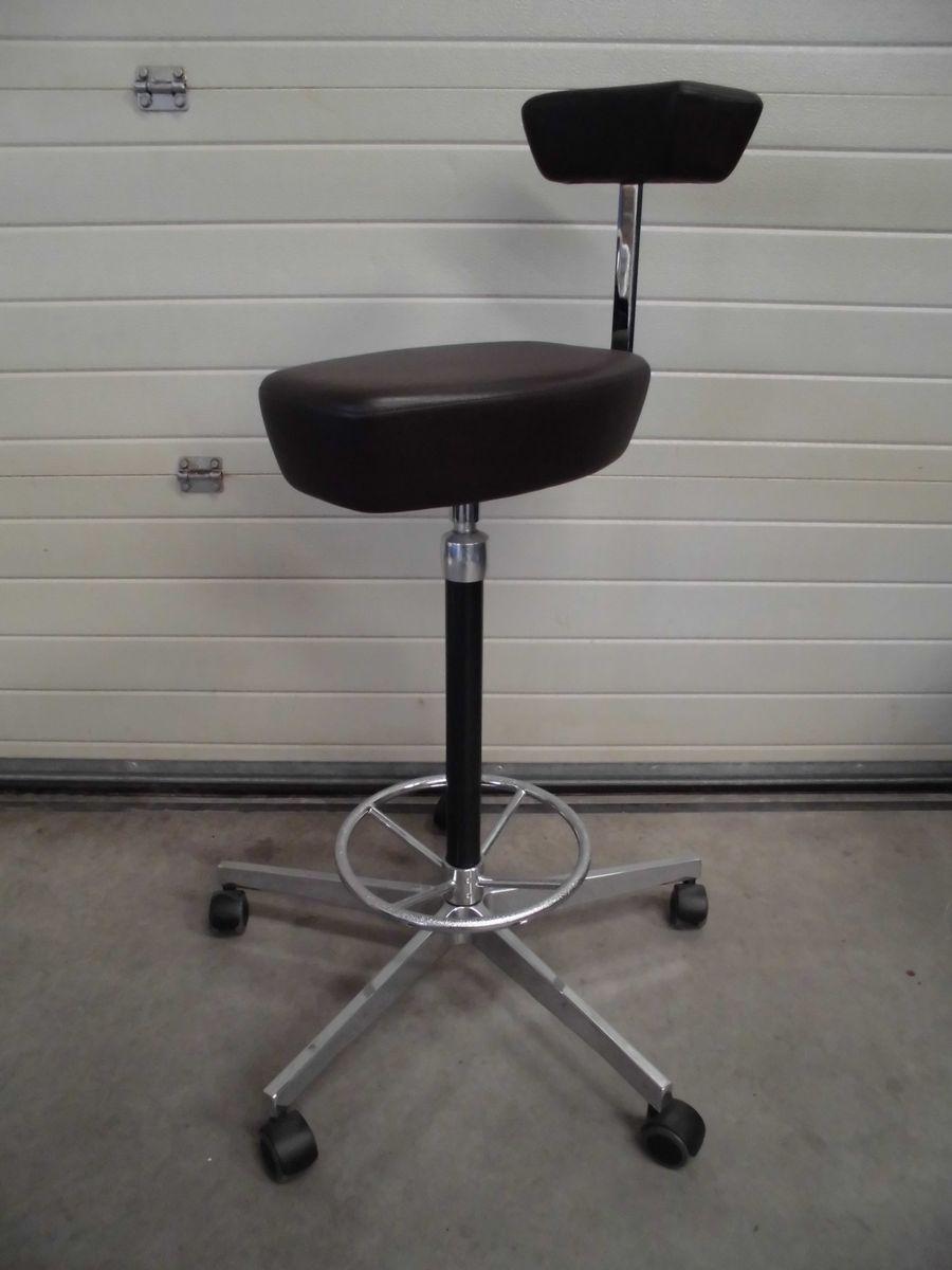 chaise de bureau perch marron fonc par george nelson pour vitra en vente sur pamono. Black Bedroom Furniture Sets. Home Design Ideas