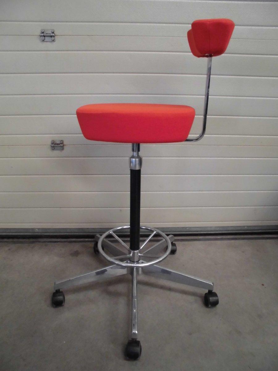chaise de bureau perch rouge vif par george nelson pour vitra en vente sur pamono. Black Bedroom Furniture Sets. Home Design Ideas