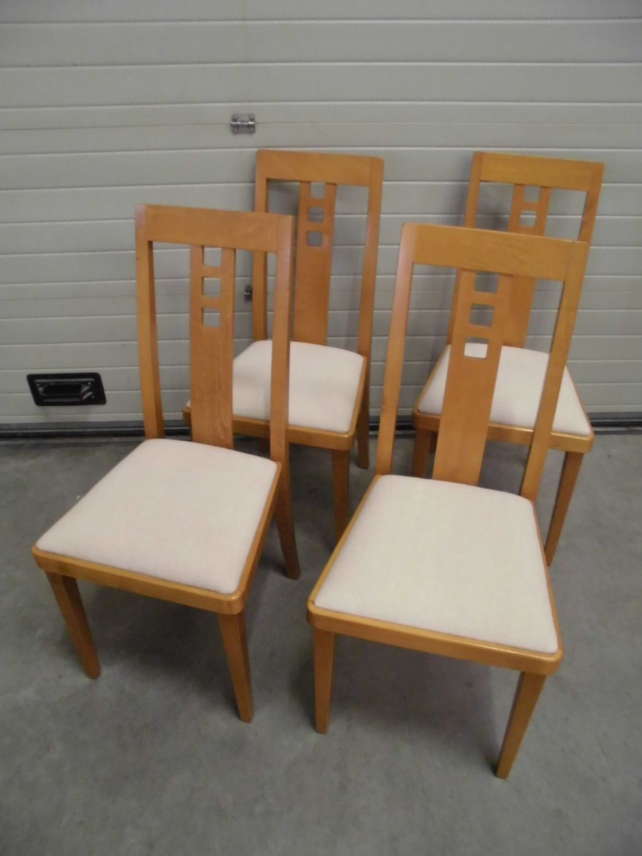 vintage dining chairs by thonet 1985 set of 4 for sale at pamono. Black Bedroom Furniture Sets. Home Design Ideas