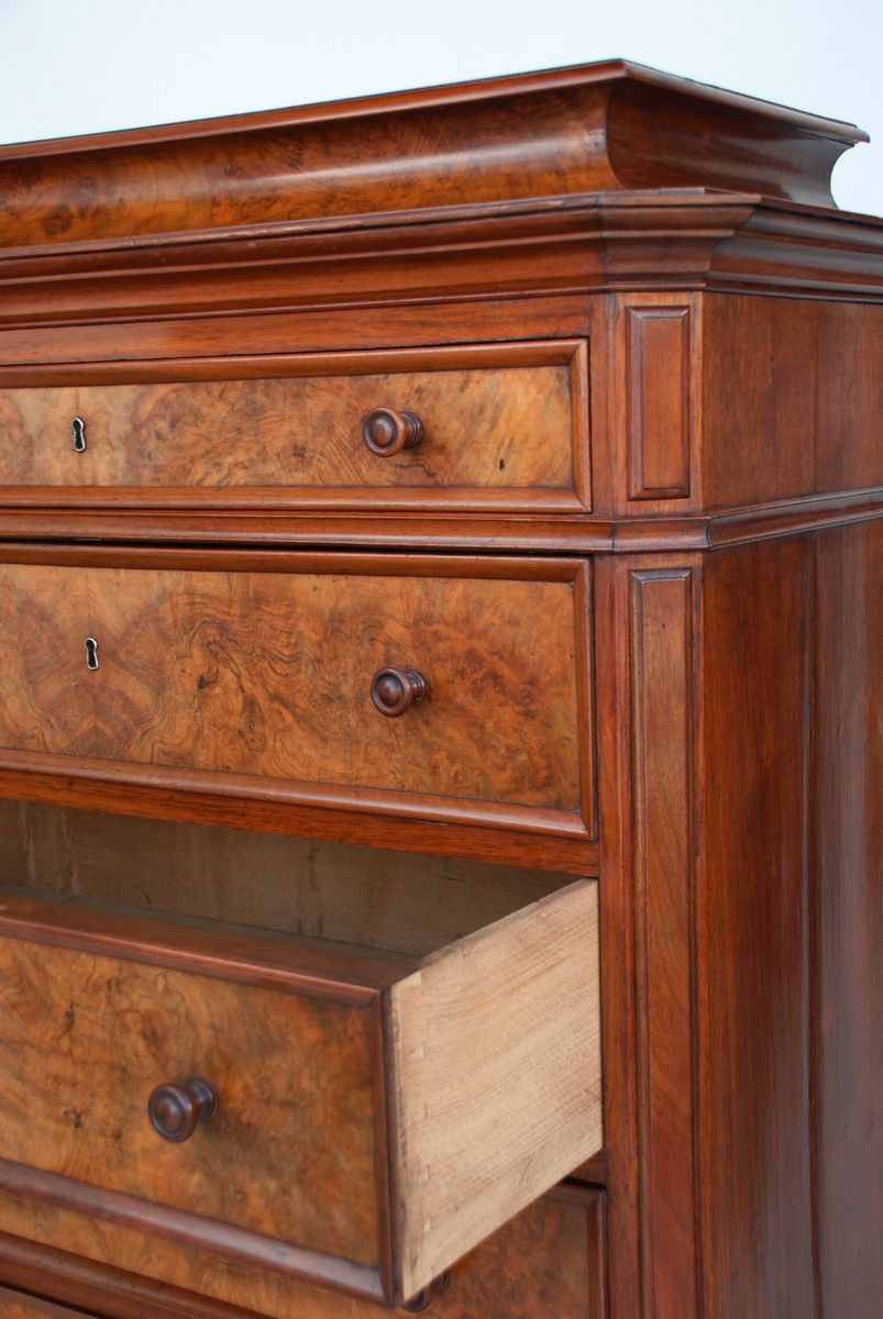 hohe antike skandinavische kommode aus walnussholz 1880er. Black Bedroom Furniture Sets. Home Design Ideas