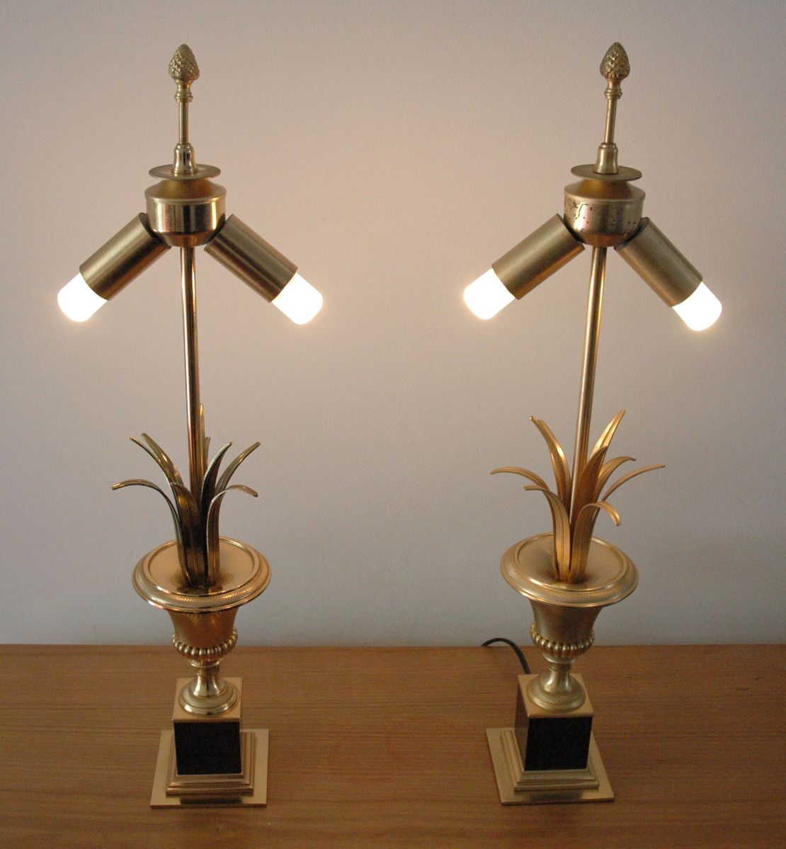 Belgian Vintage Table Lamps Set Of 2 For Sale At Pamono