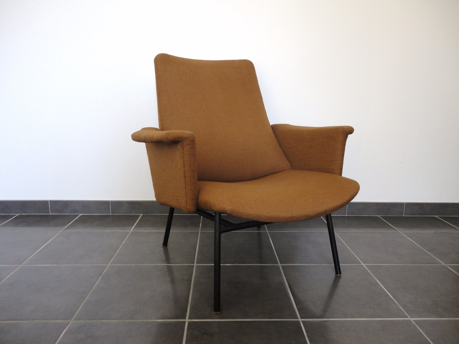 sk660 lounge chair by pierre guariche for steiner for sale. Black Bedroom Furniture Sets. Home Design Ideas