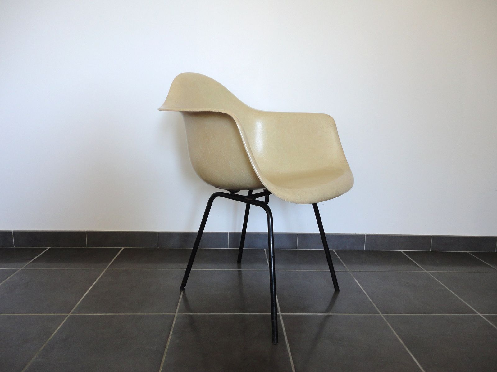 Fiberglass Armchair by Charles & Ray Eames for Herman Miller