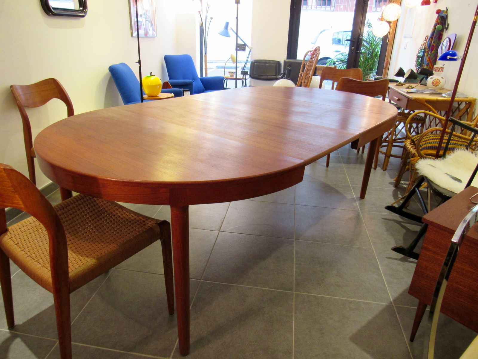 round teak dining table from randers mobelfabrik for sa