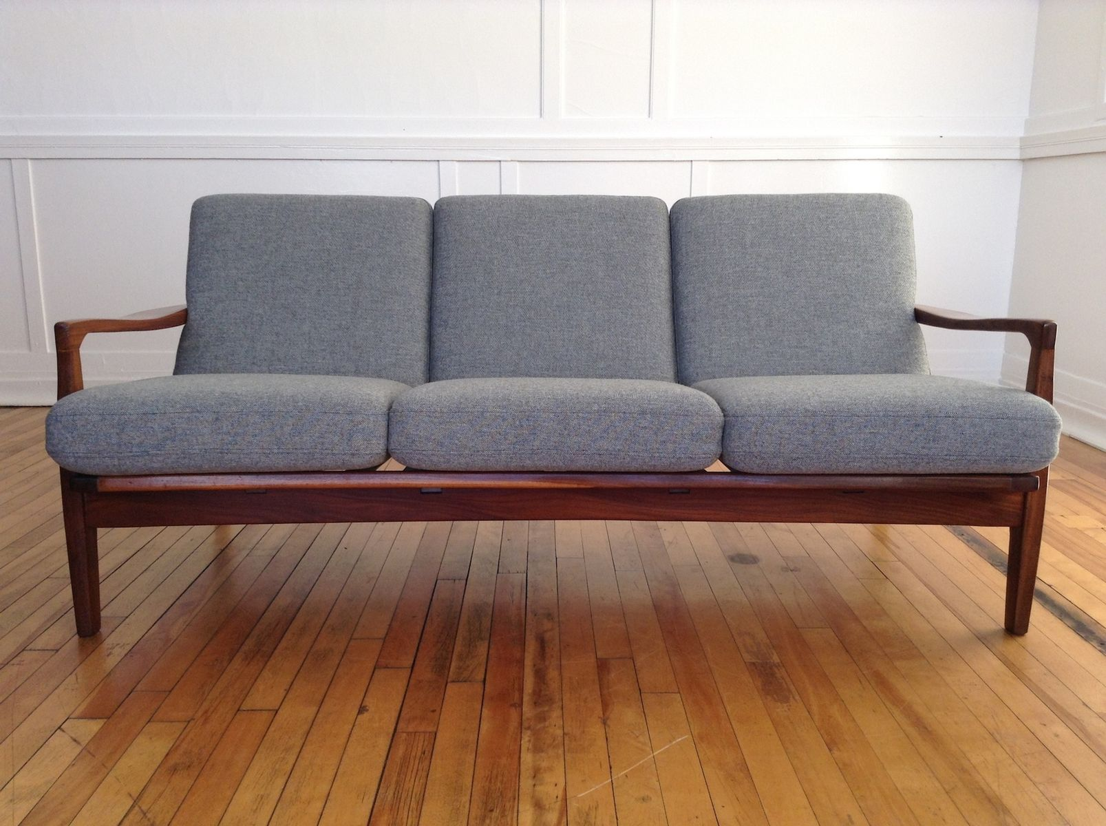 British Mid Century Sofa In Teak And Afromosia From Toothill 1960s For Sale At Pamono