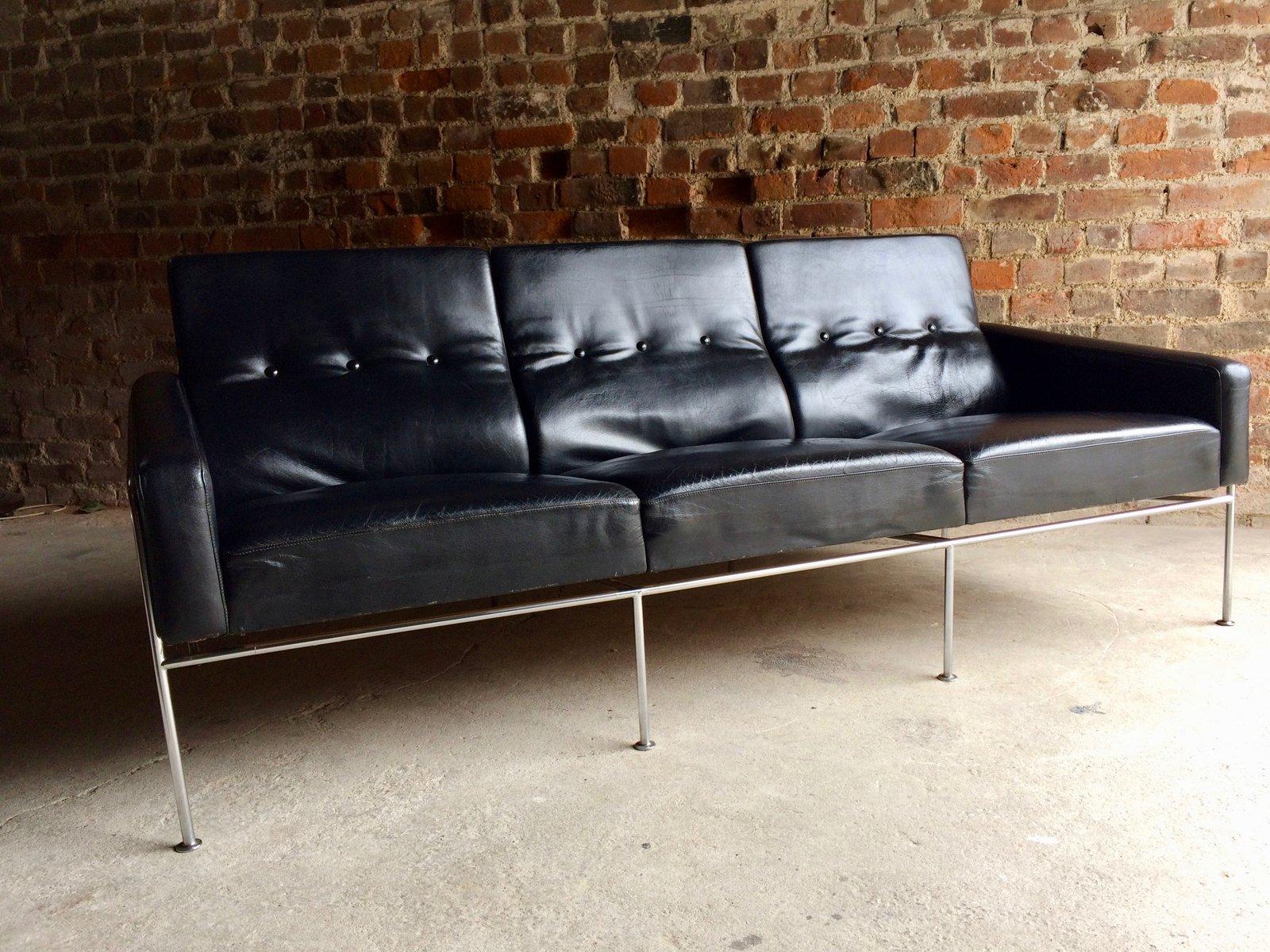 arne jacobsen sofa tradition mayor sofa design arne. Black Bedroom Furniture Sets. Home Design Ideas