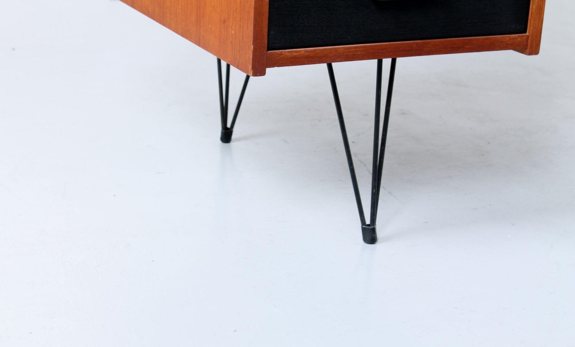 Petit bureau en placage de teck noir 1950s en vente sur for Petit bureau noir