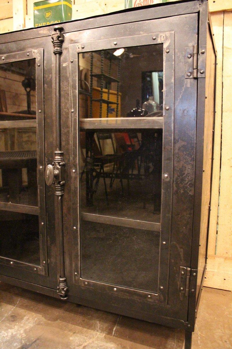 meuble vitrine industriel 1930 en vente sur pamono