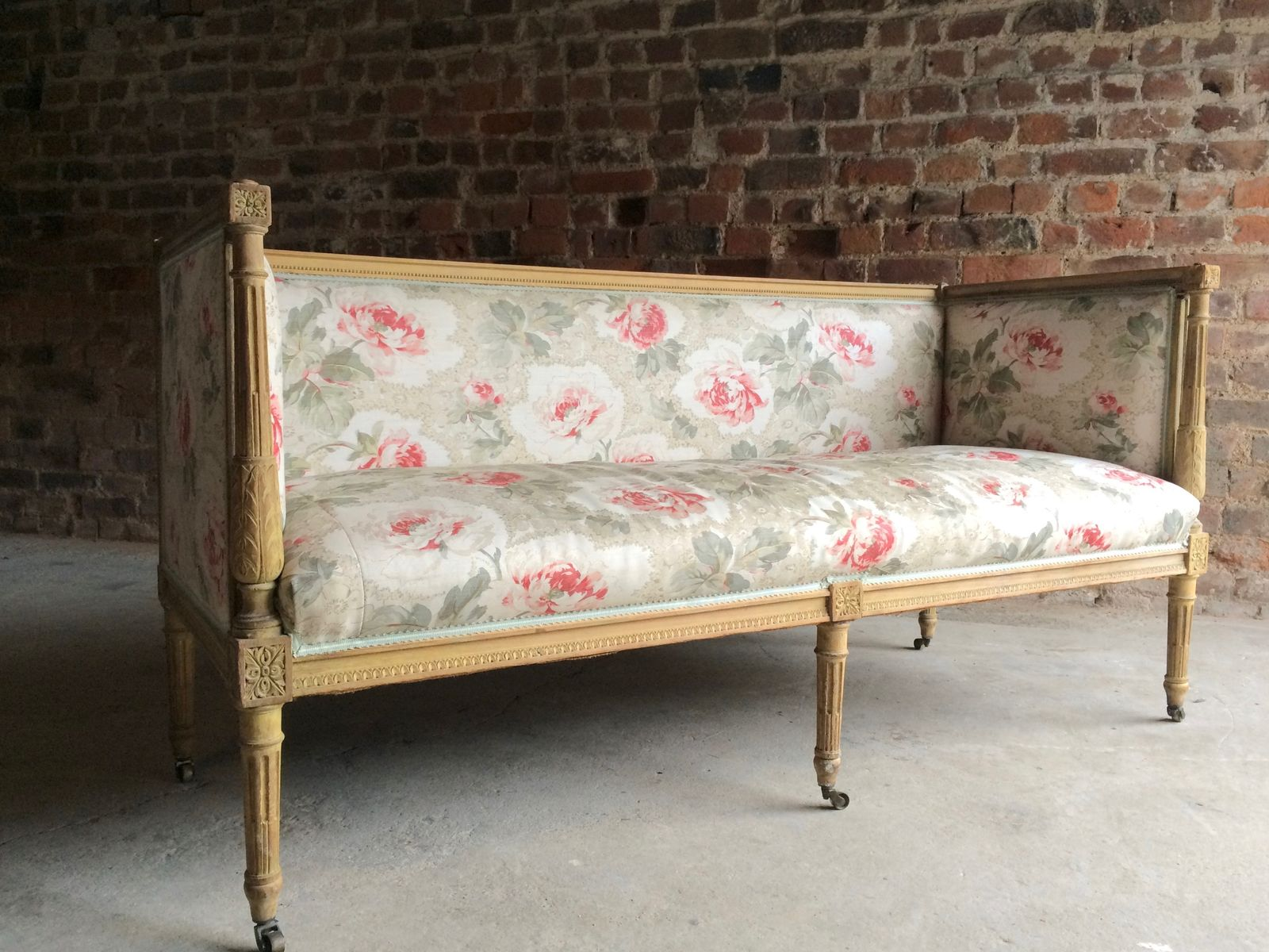 Antique French Salon Sofa in Beech 1770s for sale at Pamono